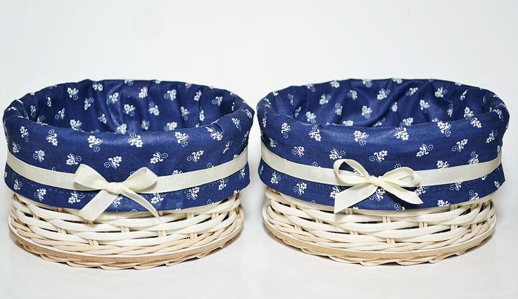 košíky s modrou výstelkou
