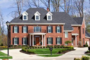 Кирпичные фасады домов: фото, преимущества и недостатки