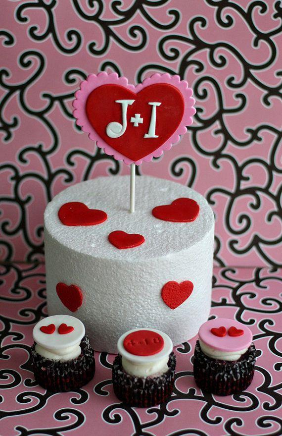 Boda compromiso monograma corazón Fondant Topper de la torta y Cupcake Toppers para una despedida de soltera o fiesta de compromiso
