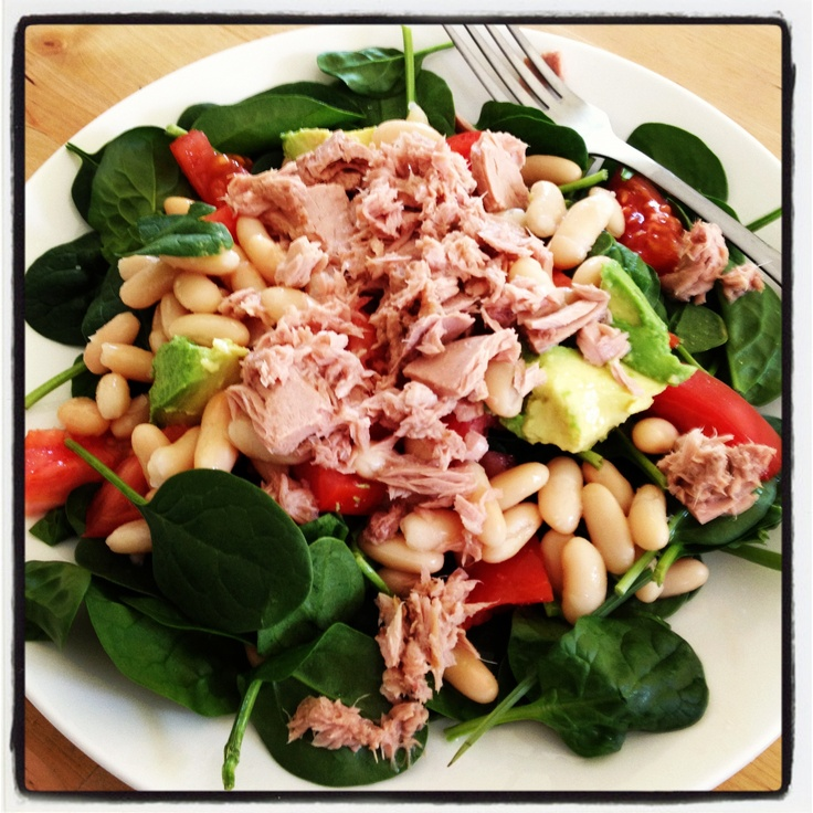 Michelle Bridges 12WBT tuna, avocado, tomato and bean salad