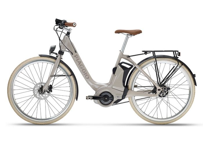 Go to Piaggio.com to discover all the information on the Piaggio Comfort Plus Wi-Bike: check out the images, videos and technical specs!