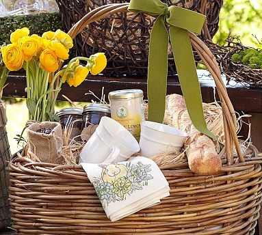 22 best images about gift baskets ideas on pinterest for Dinner party gift ideas