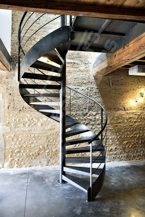 86 best spiral staircase images on pinterest spiral for Interieur contemporain