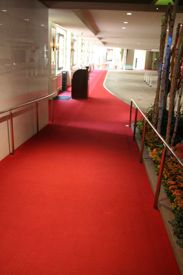 The Grove LA_Red Carpet Entrance from Valet Parking to Concierge