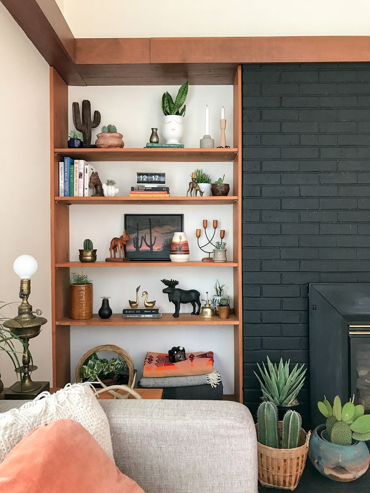Shelfie Style | Southwestern Theme | Bookcase | Built Ins | Black Fireplace | by Summer Wick