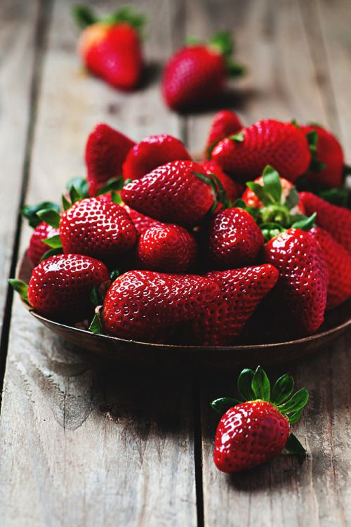 themanliness: Fresh Strawberries | Source | Facebook | Instagram