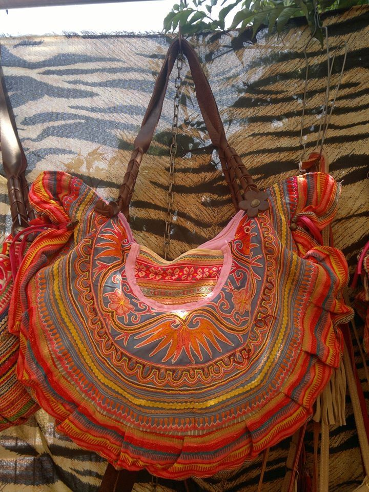 Красочные сумки в стиле фольк (трафик) / Сумки, клатчи, чемоданы /