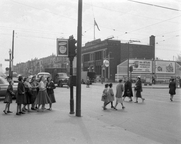 La Petite-Patrie en 1955. La rue Beaubien est désignée ainsi en l'honneur de la famille dont plusieurs membres se sont illustrés dans le domaine des affaires et de la politique.