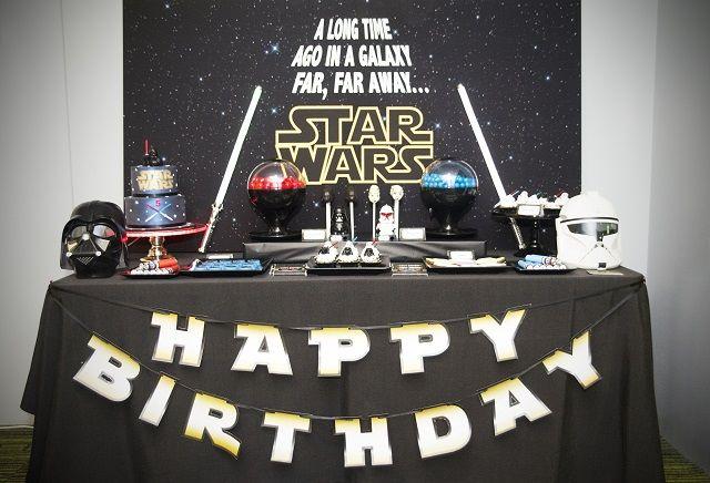 Fiesta Star Wars: Decoración, ideas y disfraces Star Wars para un cumpleaños de otra galaxia.