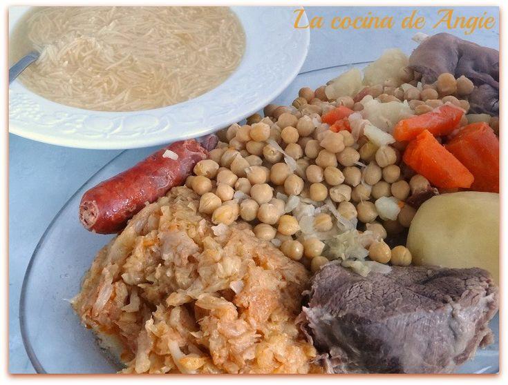 El cocido maragato es un plato tradicional de la comarca de la Maragatería ( León ), en la comunidad autónoma de Castilla y León. Se tra...