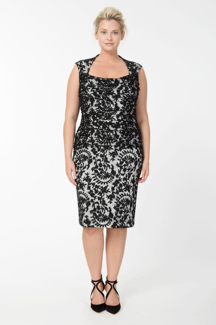 Embroidered Lace Sweetheart Cocktail Dress in Black / Ivory | Tadashi Shoji Fall / Holiday Plus Size Collection