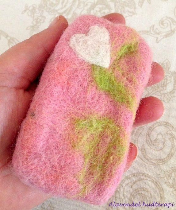 Ullfiltet vaskehanske med såpe inni