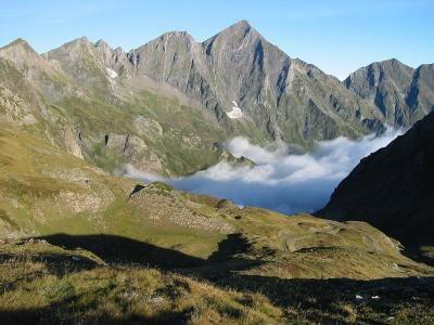 Le mont valier vu de la route du port d aula dans le haut couserans Guide du tourisme de l'Ariege Midi-Pyrénées
