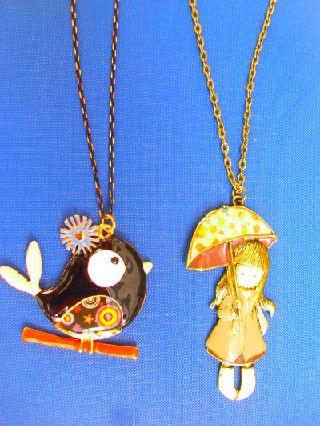 κολιέ με ψαράκι και κοπέλα με ομπρέλα αποστολή με αντικαταβολή www.amalfiaccessories.gr