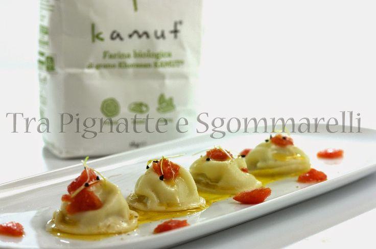Le mie ricette - Ravioli liquidi di baccalà, con vellutata di porri allo zafferano e concassé di pomodori | Tra pignatte e sgommarelli
