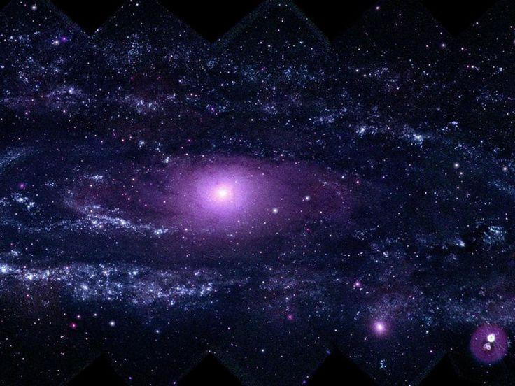 Andromeda, (M31) la galassia a spirale gigante più vicina alla Via Lattea - si trova a 2 milioni e mezzo di anni luce dalla Terra - non cessa mai di stupirci e si presenta oggi in una veste inedita. Quella che vedete infatti è l'immagine a più alta risoluzione di questa galassia mai registrata nella frequenza dell'ultravioletto. La forma irregolare dello scatto è dovuta al fatto che si tratta di un collage di 330 foto singole scattate da un telescopio a bordo del satellite della Nasa Swift.