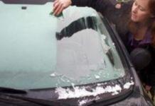 Zabudnite na škrabky na zamrznuté okná. Vďaka jednoduchému triku si budete môcť ráno pospať!