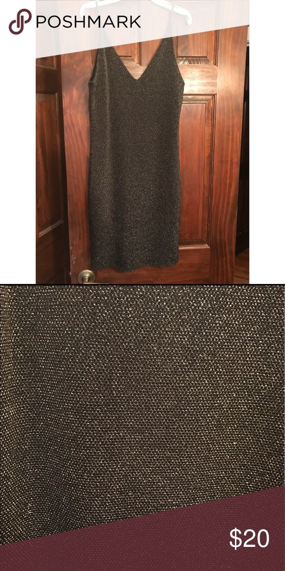 Black and gold sparkly dress Black and gold sparkly dress only worn once! Perfect for dances or a wedding Soprano Dresses