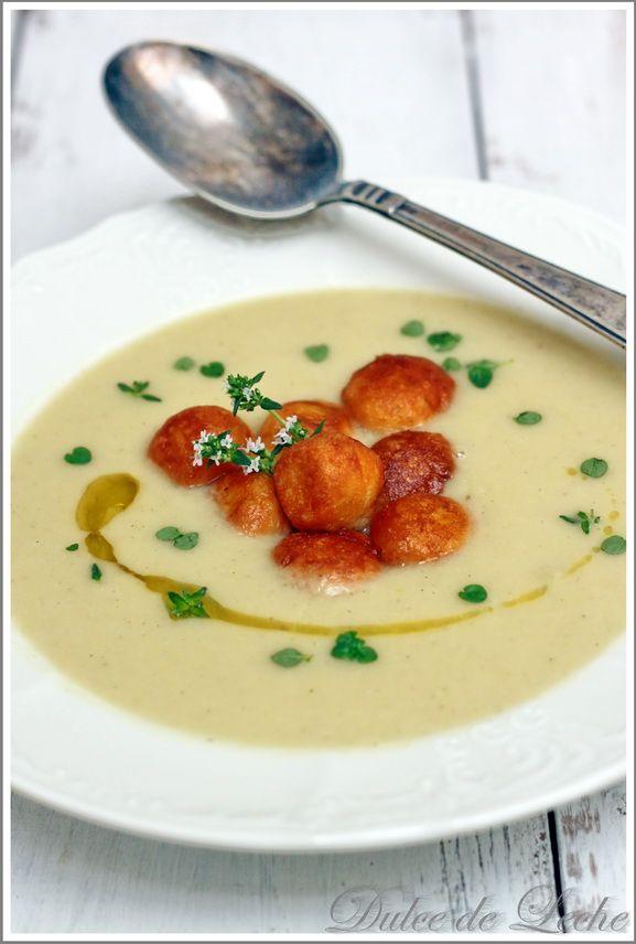 Dulce de Leche: Špargľová polievka s parmezánovými kroketkami