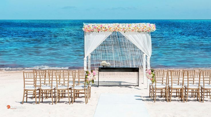 Every detail embodies a romantic timelessness wedding| Palace Resorts Weddings ®