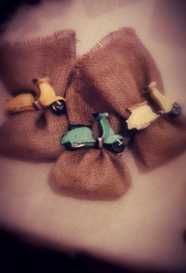 #Mpomponieres vespa #vintage vespas magnets
