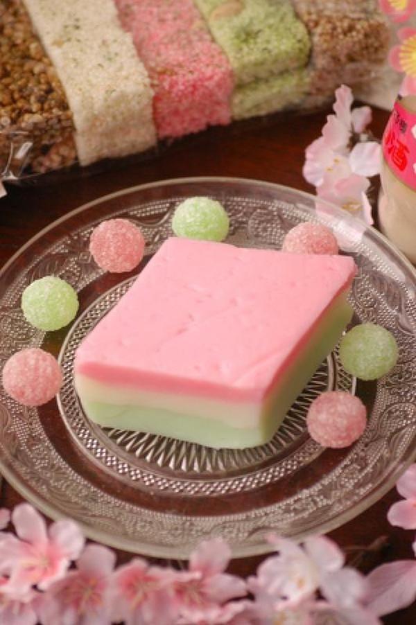 片栗粉と牛乳で簡単♪ ひなまつりのぷるるんミルクひし餅 by Sorari | レシピサイト「Nadia | ナディア」プロの料理を無料で検索