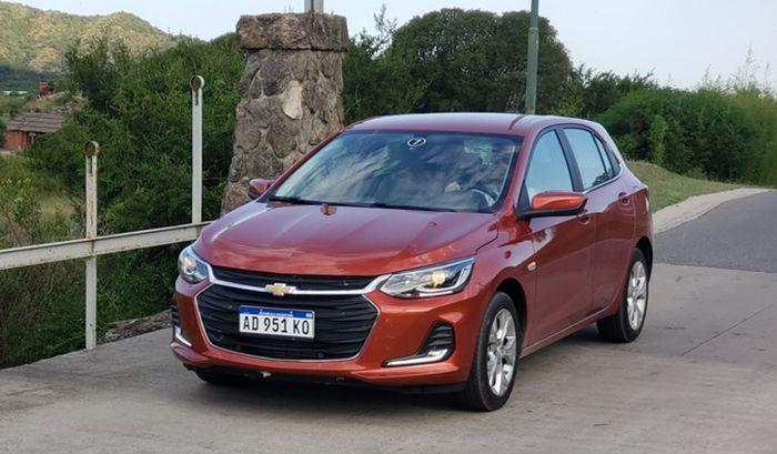 Critica Chevrolet Onix 1 0 Turbo Premier En 2020 Hatchback Sedan Onix