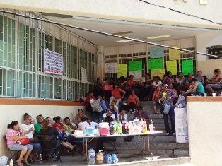 Trabajadores del Poder Judicial son denunciados por hacer paro - http://www.tvacapulco.com/trabajadores-del-poder-judicial-son-denunciados-por-hacer-paro/