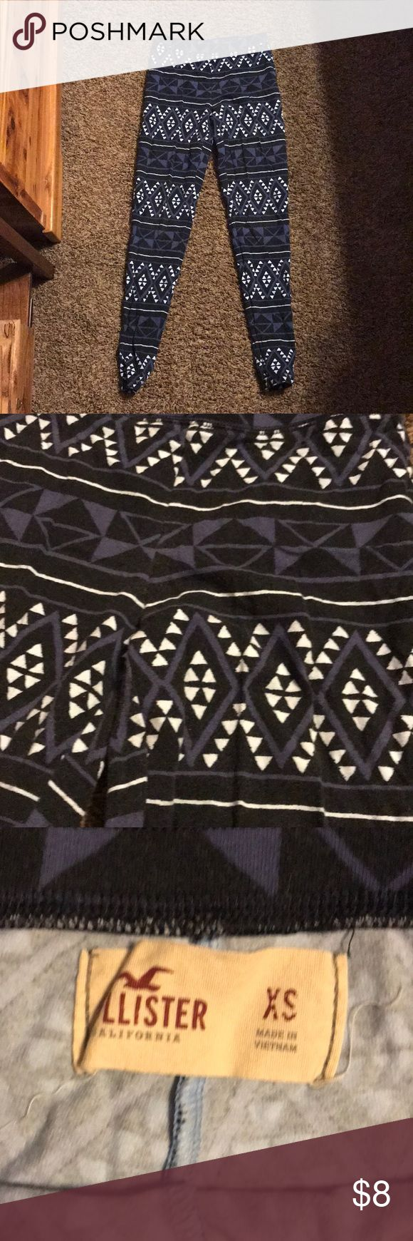 Aztec leggings Blue Aztec leggings from Hollister. Size XS and don't offer much stretch. Pretty worn but in good condition. No marks stains or tears. Smoke free home ‼️ make an offer 🙂 Hollister Pants Leggings