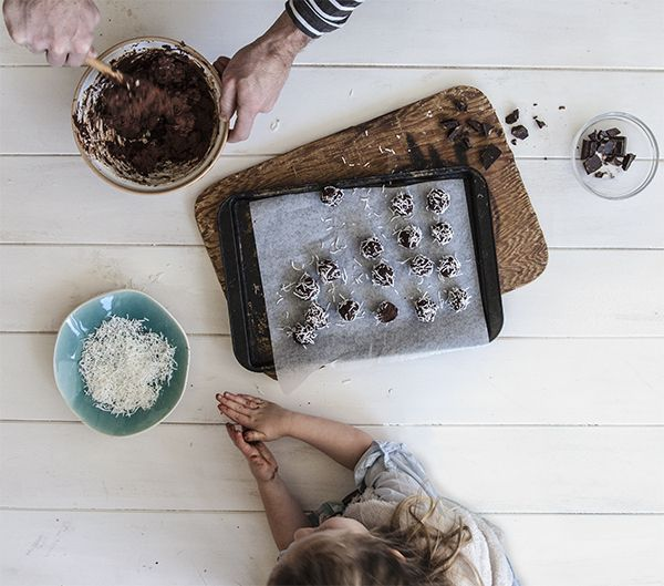 These heavenly truffles are so fun and easy to make, the hardest part will be sharing them. These luxurious choccy truffles are just equal quantities of cream cheese and chocolate. Believe it. Make this recipe. 20 mins – Serves 20