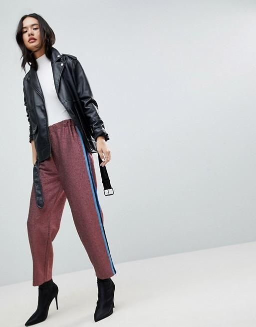 Pantalón de chándal con purpurina y raya lateral