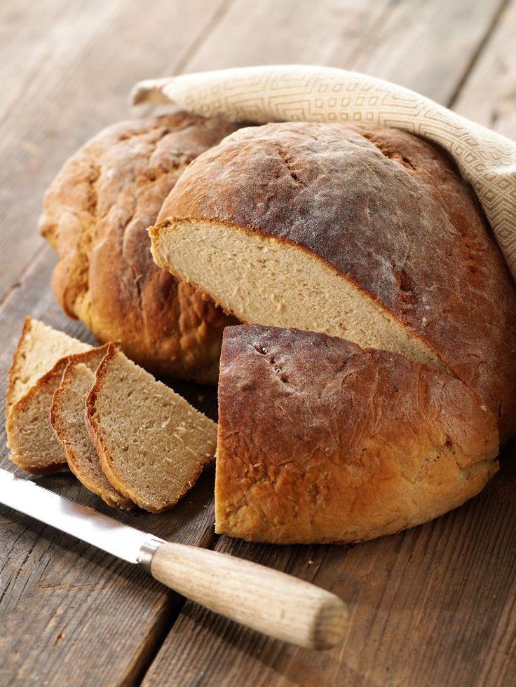 Skållat bröd. Receptet ger 2 limpor. Tidsåtgång 3 - 3 1/2 timmar + tid för skållning
