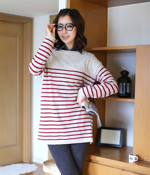 Cute stripes shirt >.< see more on thehallyu.com