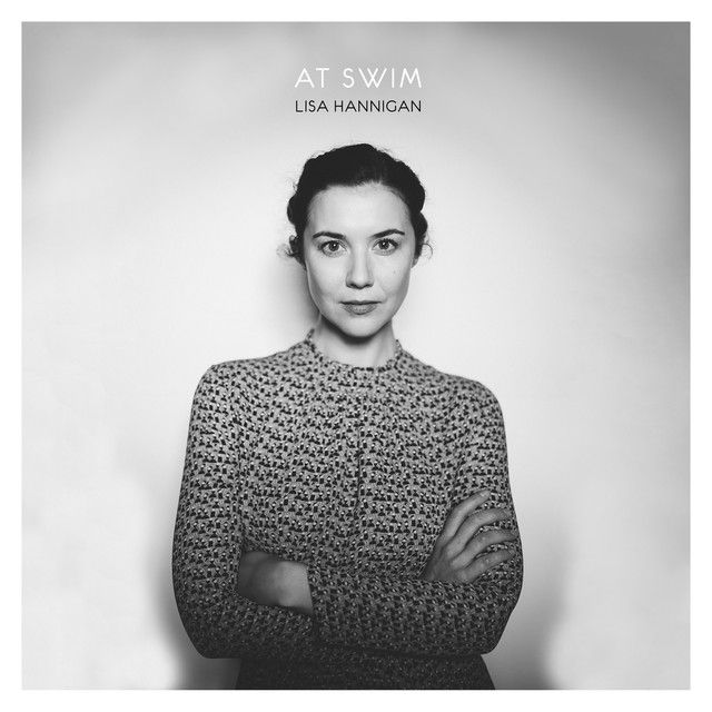It's weekend and it's snowing! Let's play 'Snow' by Lisa Hannigan. A perfect song for the nice winter vibes!