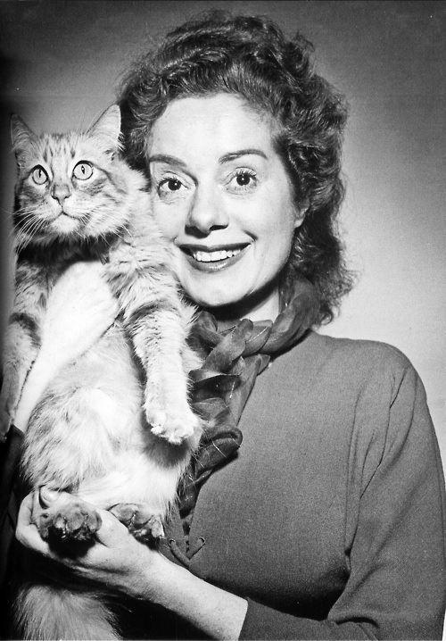 Elsa Lanchester (October 28, 1902 – December 26, 1986) Pictured here with a feline friend, Elsa played the monster's mate in the film 'Bride of Frankenstein' (1935).