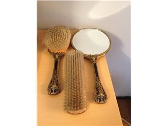 Antik,Fantastiskt set med två borstar och en spegel mässing.