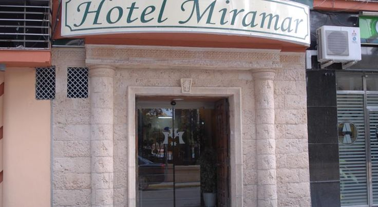Hotel Miramar La Línea de la Concepción Offering a 24-hour reception, Hotel Miramar is centrally located and features views of the Rock of Gibraltar. The beautiful beaches are within walking distance of the hotel.  The hotel offers single, double and triple rooms.