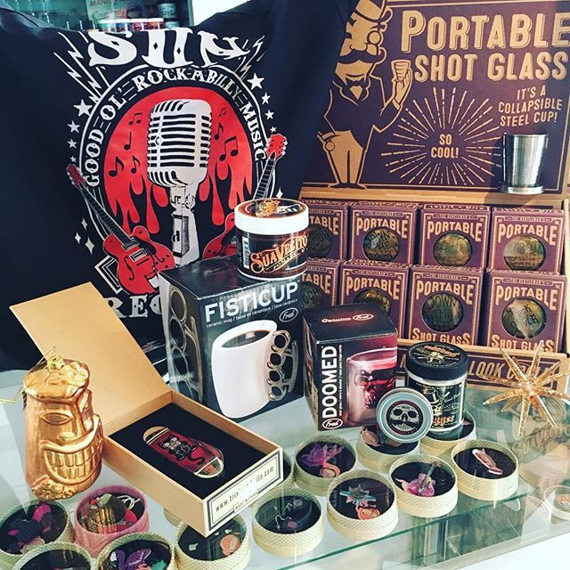 Lets not forget about the men in our lives!(As they're such gems to #shop for this #season) But we've got you covered! A #portableshotglass or any of the amazing #trixieandmilo products would make fab stocking stuffers along with some #suavecito #pomade