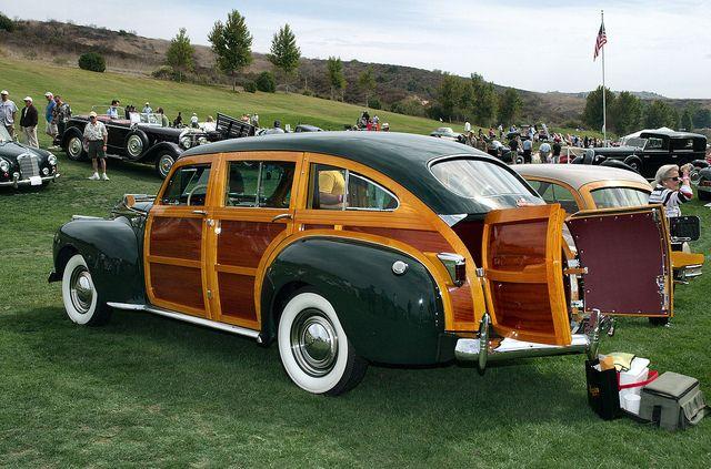 1941 Chrysler Royal TC 9 - pass Barrel Back woody - dark green