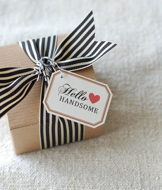 These gift wrapping ideas might come in handy for market design and packaging too. @Janes Apple