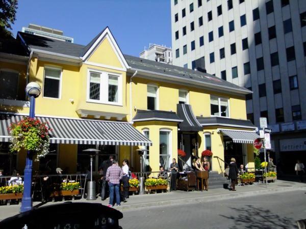 100 Cumberland Street Sassafranz Restaurant Yorkville Annex Toronto Victoria Boscariol Chestnut Park Real Estate #yorkville #toronto