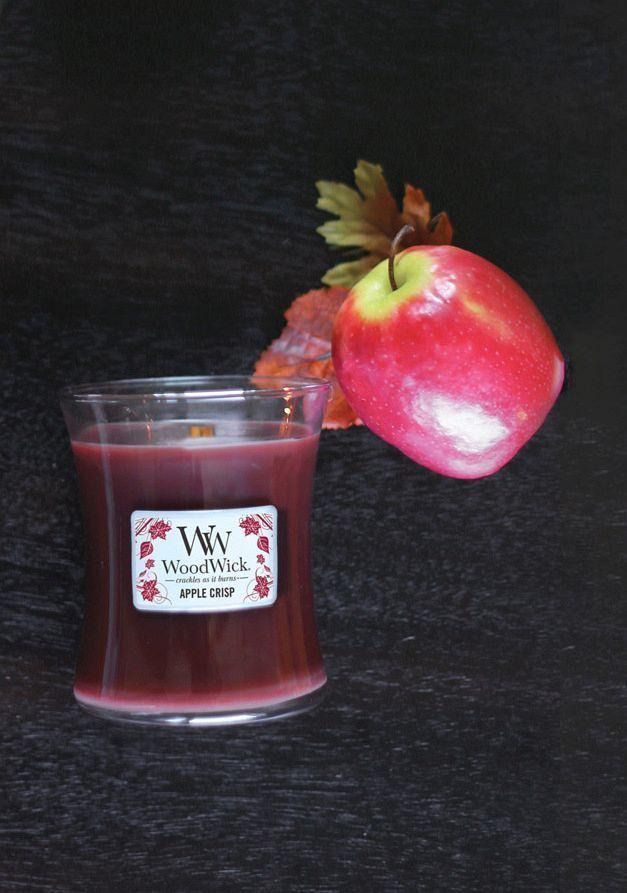 Diese #Duftkerze von #Woodwick bezaubert mit einer Kombination aus herbem #Apfel und #Zimt... Perfekt zum Herbstbeginn!
