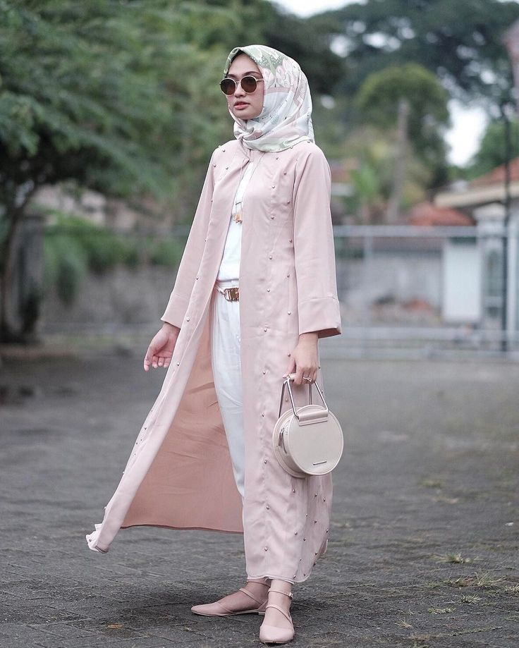"3,247 Likes, 17 Comments - Shella Alaztha (@shellaalaztha) on Instagram: ""wearing wide dress from @ainayya.id and rawis square hijab from @rda_id ❤️"""