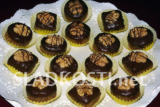 Pomerančové dortíčky s ořechy