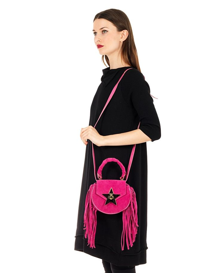 SALAR Fuchsia leather handbag with fringes with twisted leather handle removable leather shoulder strap star on the front flap inner lining turn lock on the front flap Size: 18x16x6 cm 100% Lambskin