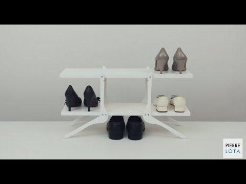 Créer un meuble  chaussures ou de rangement avec deux planches et 4 cintres en bois