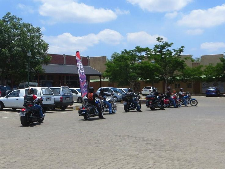 En-route to Lunch from Pick 'n Pay Hoedspruit — at The Hat & Creek. #B5HD #Hoedspruit