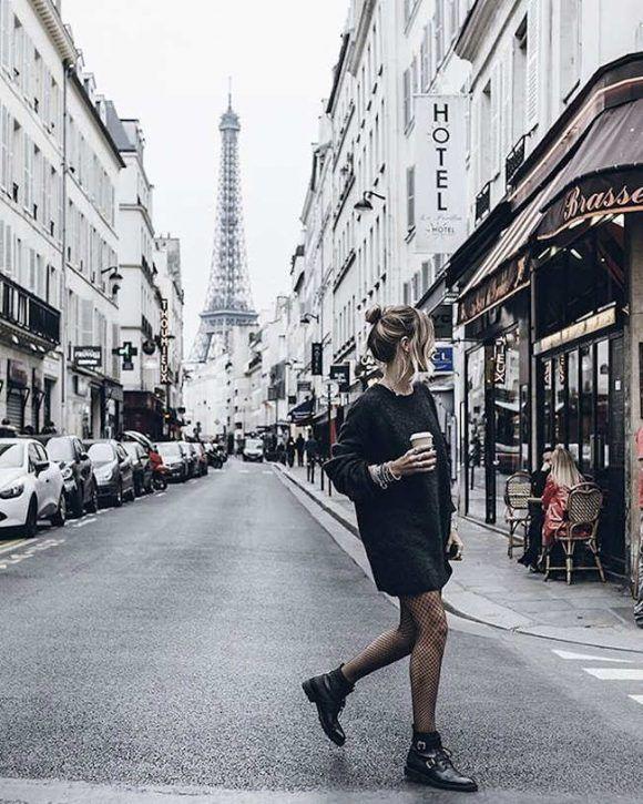 Robe pull noir chiné + boots à lacets noires avec deux boucles + collants résille>> http://www.taaora.fr/blog/post/tenue-robe-pull-noir-chine-gris-fonce-col-rond-boots-noires-army-saint-laurent-double-boucle-collants-resille-noirs #look