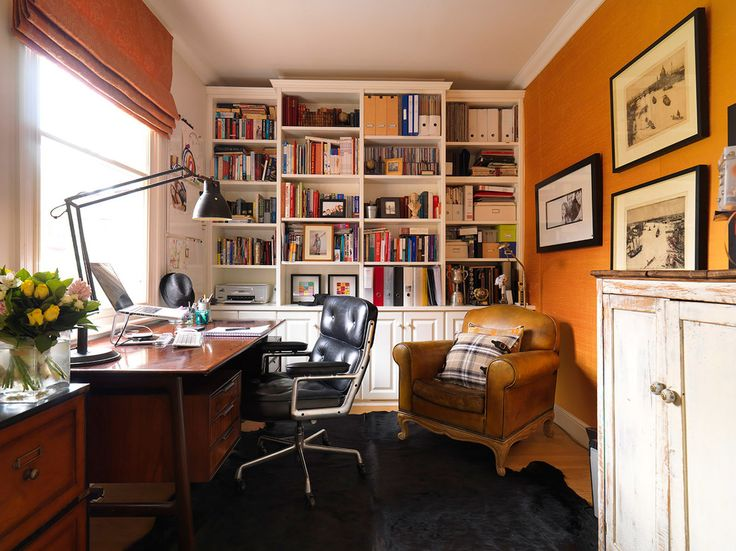 Bürostuhl für den Chef - Chefsessel aus schwarzem Lederhttps://modecor.com/Eames-Lobby-Chair-EA-104-in-Schwarz