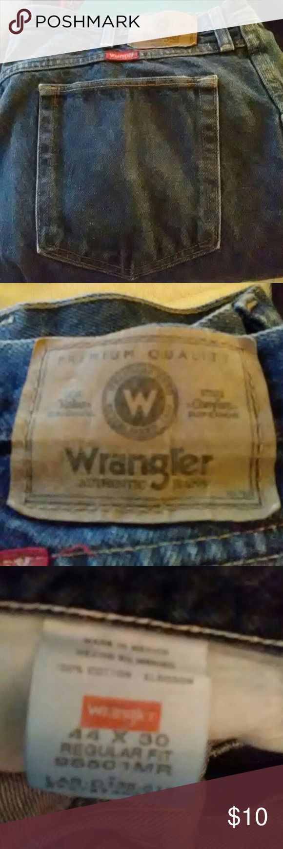 Wrangler jeans Regular fit dk blue jeans. 44x30 ,Excellent preowned condition.  Smoker and pets in the home. Wrangler Jeans Straight